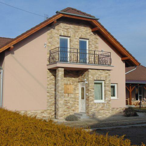 fasada-dolnyohaj01